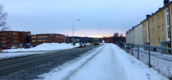 Nærmere hjemlige strøk på Moholt – nok en buss fiser forbi