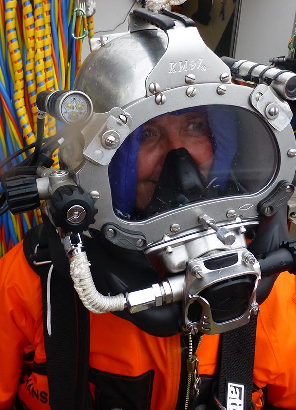 dag13-dykkerhjelm