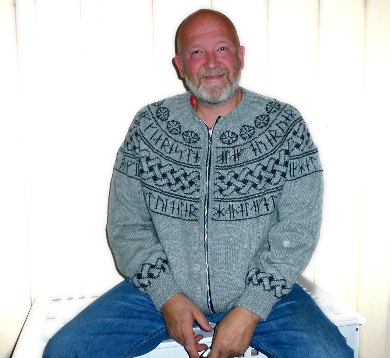 olav-med-jakka